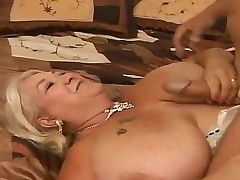 Fatty milf Linda sucks her fuckers cock and acquires delight when that stunner acquires it in the facehole