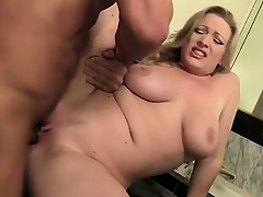 Blonde piece of ass Vicky gets horny and bonks a well-endowed amateur