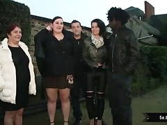 2 BBWs fucked in a group sex