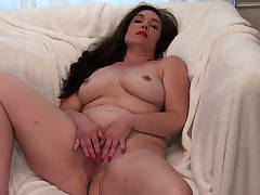 American milf Katrina can't stop touching herself