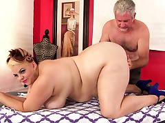 Fat Buxom Bella Receives Sensual Massage