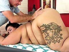 Youthfull Fatty Mia Riley Massaged till Orgasm