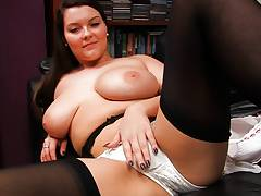Chesty Eva sex in stockings panties and a garter