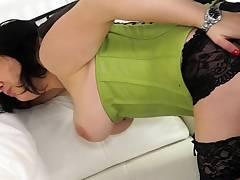 ReifeSwinger - Jessy W. shares her German pussy with 2 men