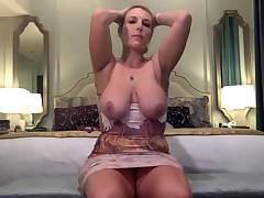 Plumper with big boobs on web cam 3 gives ca