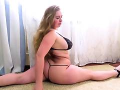 flexi naked bbw contortionist home stretching
