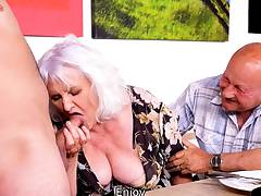 MATURE4K. Old man cant please wife so she makes move on