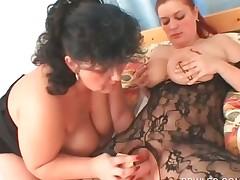 BBW lesbian in pantyhose gets peachy twat dildoed
