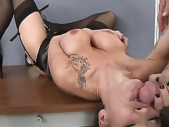 Big boobed, brunette babe Sandee has her gorgeous face pummeled rock hard and fast by Jareds huge shaved dick. This babe expertly handles the deep-throating and gets rewarded with a good fuck.