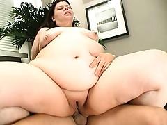 Fat brunette bitch gets sloppy on her boyfriend's skinny dick