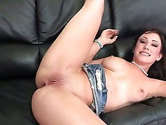 Slut Jennifer White get bitchy in threesome by hunks John Strong and Toni Ribas