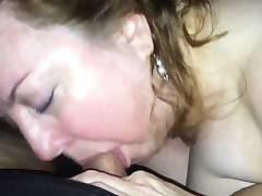 Skilled Mature BBW Giving a Hot Blowjob
