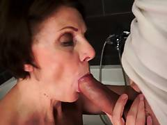 Hot Beauties Pee and Squirt Like Crazy